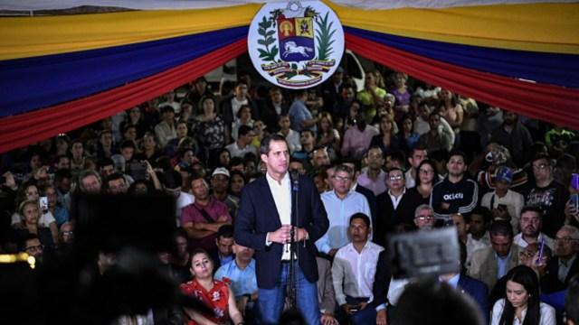 Foto: Guaidó acusa que intentaron matarlo y responsabiliza a Nicolás Maduro, 15 de febrero de 2020, (Getty Images, archivo)