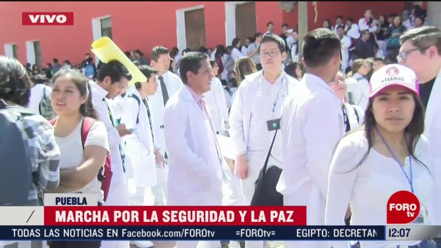 gobierno de puebla recibe a comision de estudiantes tras marcha por la paz