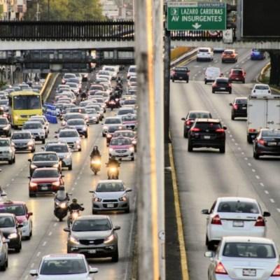 Foto: De acuerdo con el programaHoy No Circulaeste viernes no circulan los vehículos conengomado color azul, terminación de placas 9 y 0
