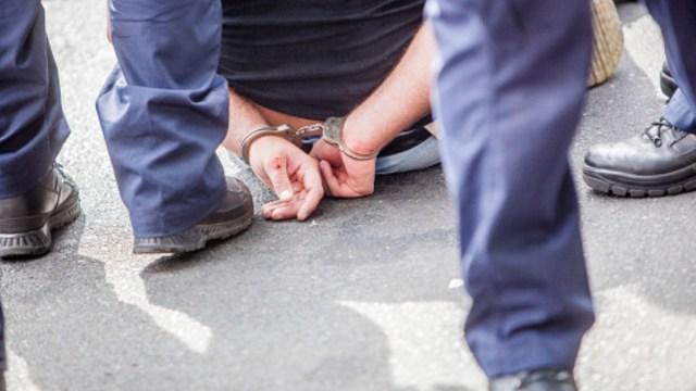 Detienen a intendente acusado de violar a estudiante