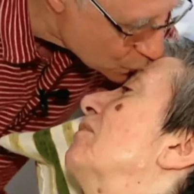 Foto: Hombre que ayudó a morir a su mujer dona herencia para investigar esclerosis