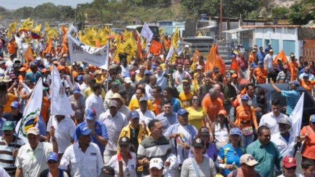 Foto: Disparan contra una manifestación liderada por Guaidó en Venezuela, 29 febrero 2020
