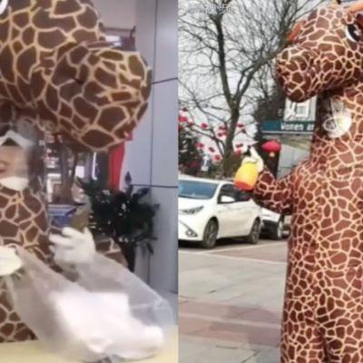 Video: Mujer se disfraza de jirafa para evitar contagio de coronavirus