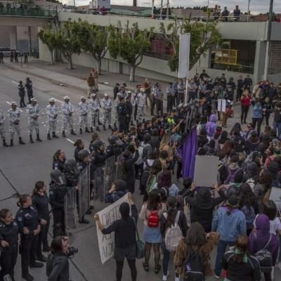 Mujeres protestan contra la violencia en cruces fronterizos