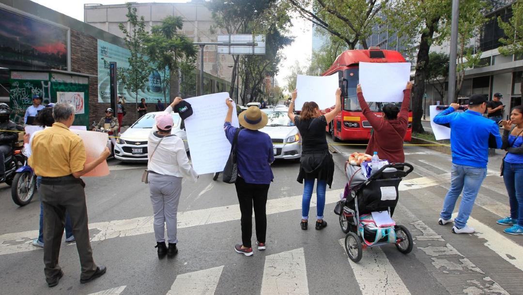 Foto: Un grupo de manifestantes protesta en la Ciudad de México, 27 febrero 2020