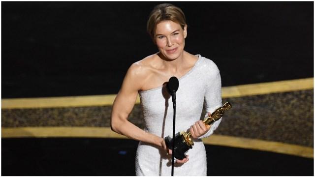 """Foto: Renée Zellweger ganó el Oscar 2020 como Mejor Actriz gracias a su papel en """"Judy"""", 9 de febrero de 2020 (Getty Images)"""