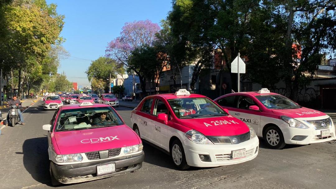 FOTO: Taxistas protestan en la CDMX contra aplicaciones de transporte privado, el 19 de febrero de 2020