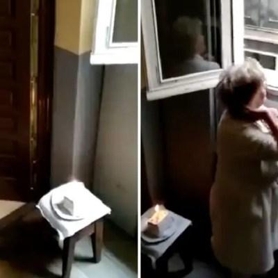 Video: Vecinos en cuarentena cantan feliz cumpleaños a una abuelita desde sus ventanas