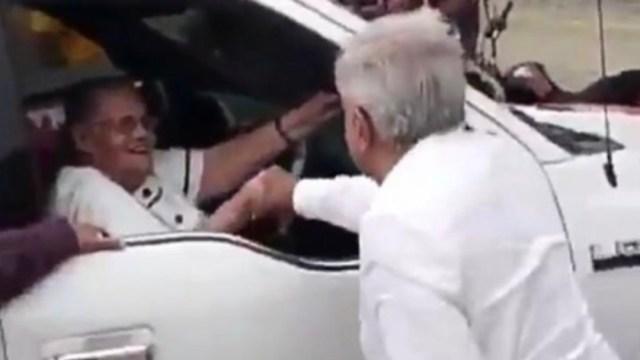 Foto: AMLO reivindica que la madre de 'El Chapo' merece 'respeto'