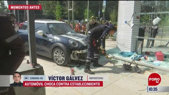 automovil choca contra establecimiento en av chapultepec y florencia