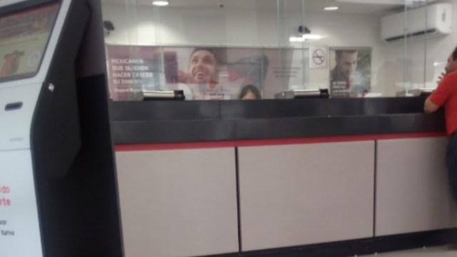 FOTO ¿Abren bancos y cajeros automáticos durante contingencia por coronavirus? (Google Maps)