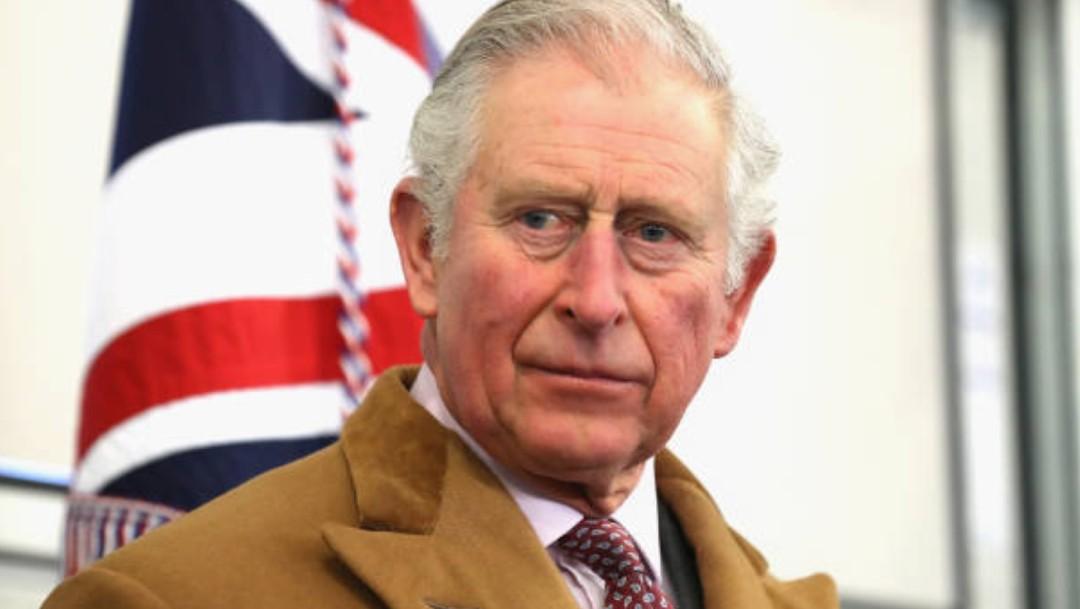 El príncipe Carlos de Inglaterra da positivo por coronavirus