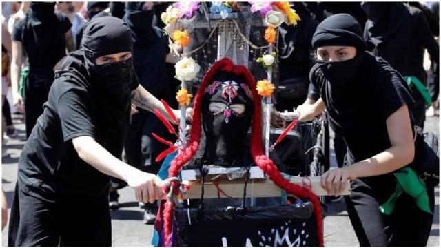 Foto: La movilización de Chile fue una de las más grandes en el Día Internacional de la Mujer, 8 de marzo de 2020 (EFE)