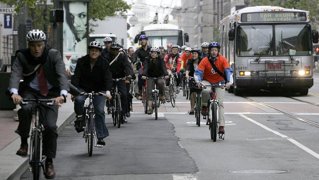 Foto Ir al trabajo en bicicleta es más peligroso que otras opciones de transporte: estudio 13 marzo 2020