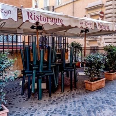 Italia cierra todos los negocios por coronavirus, excepto los de primera necesidad
