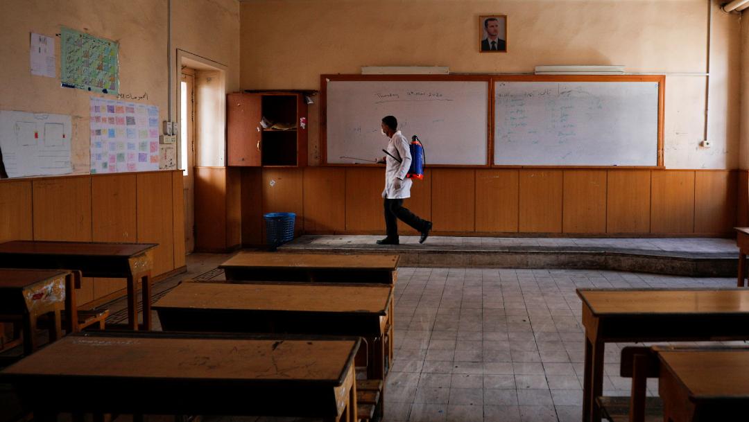 FOTO Mitad de estudiantes está en casa por pandemia de coronavirus, dice UNESCO (Reuters)