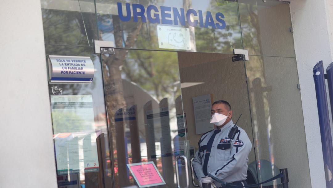 Foto; Personal de seguridad de un hospital en México se protege con tapabocasPersonal de seguridad de un hospital en México se protege con tapabocas, 6 marzo 2020
