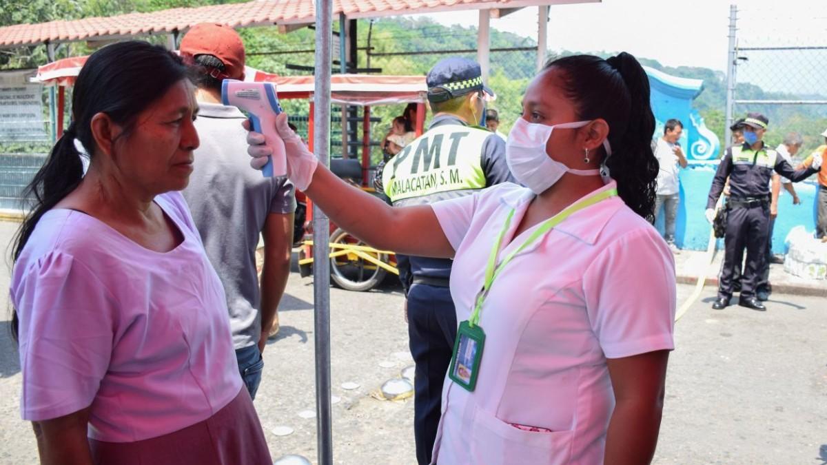 Operativo sanitario en la frontera entre México y Guatemala