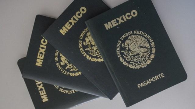 Foto: Varios pasaportes mexicanos. Cuartoscuro