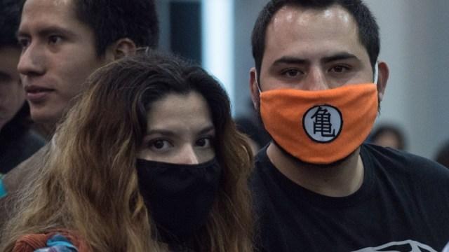 Foto: Jóvenes usan cubre boca por coronavirus en la Ciudad de México. Cuartoscuro