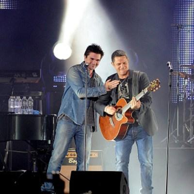 Juanes y Alejandro Sanz 'desafían' al coronavirus con concierto por YouTube