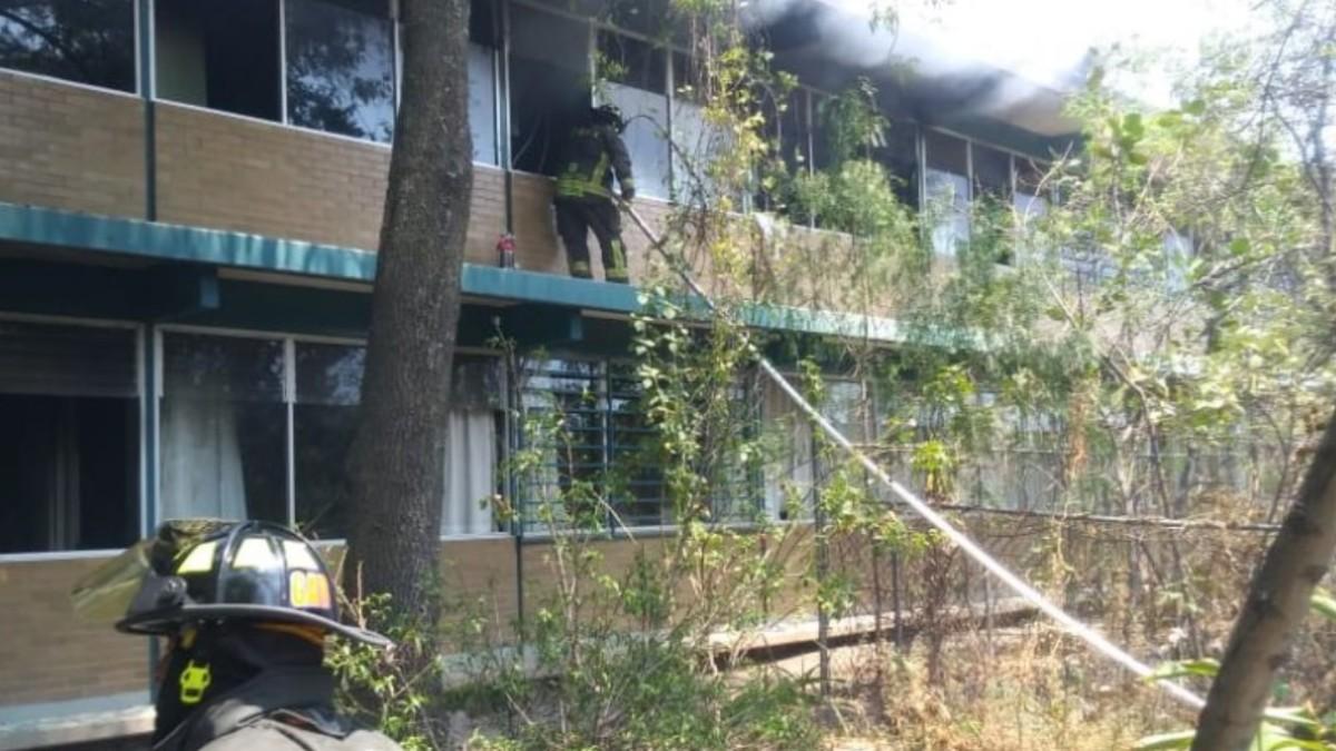 Paristas provocan incendio en el CCH-Sur