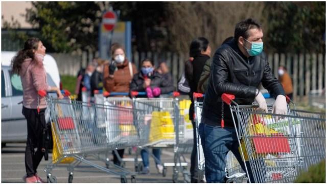 Imagen: El número de muertos en Italia alcanzó una cifra récord a causa del coronavirus, 21 de marzo de 2020 (EFE)