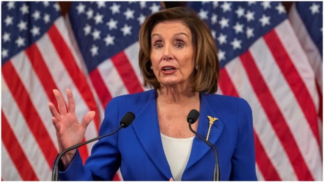 Imagen: Nancy Pelosi criticó el actuar de Donald Trump con respecto al coronavirus, 29 de marzo de 2020 (EFE)