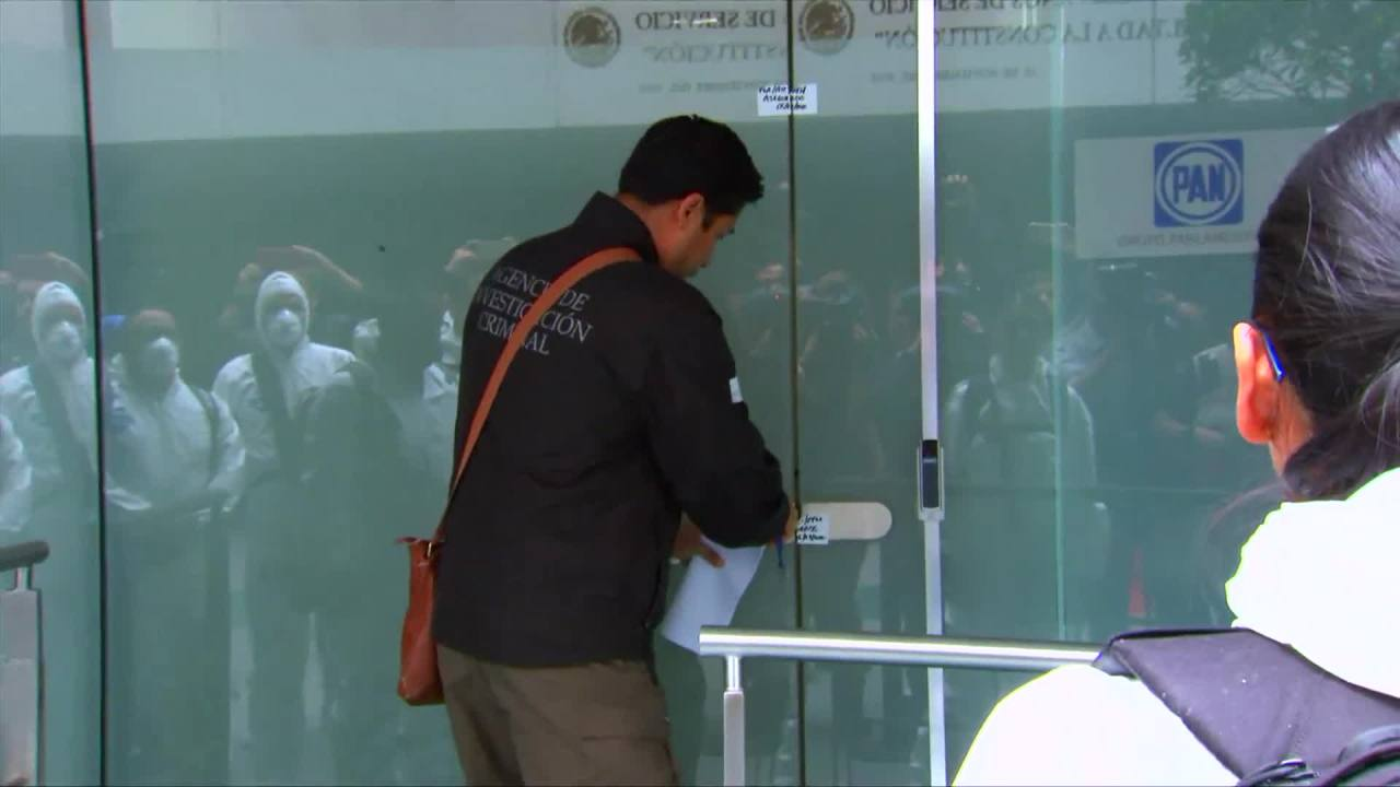 Foto: Continúan Peritajes Oficinas PAN Senado Por Presunto Espionaje