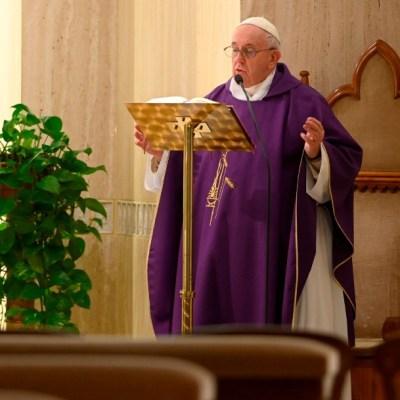 Papa Francisco pide acoger a los sintecho ante coronavirus