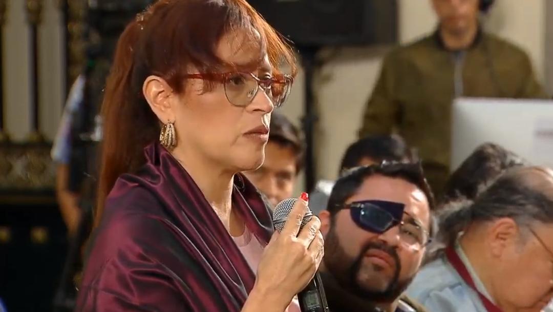 FOTO Mujer periodista denuncia agresión en conferencia mañanera, AMLO llama a la reconciliación (YouTube/Gobierno de México)