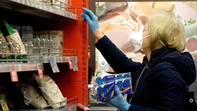 Foto: Austria prohíbe entrar en supermercados a quien no lleve mascarilla