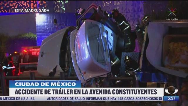 se registra accidente de trailer en la avenida constituyentes en cdmx