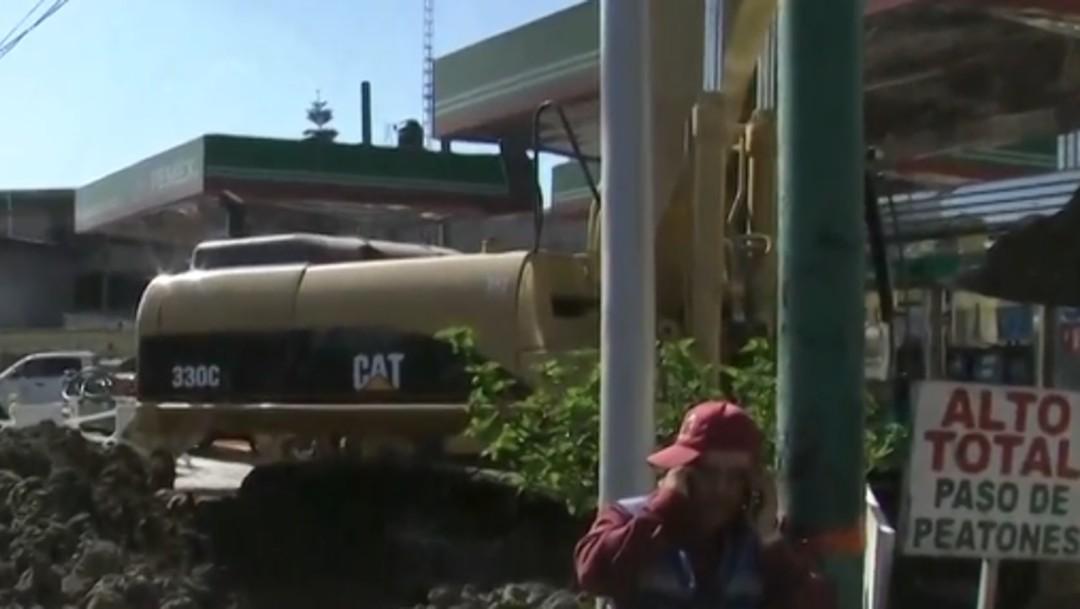 FOTO Seguirán por 48 horas trabajos por fuga de gasolina en Metro CDMX (FOROtv)