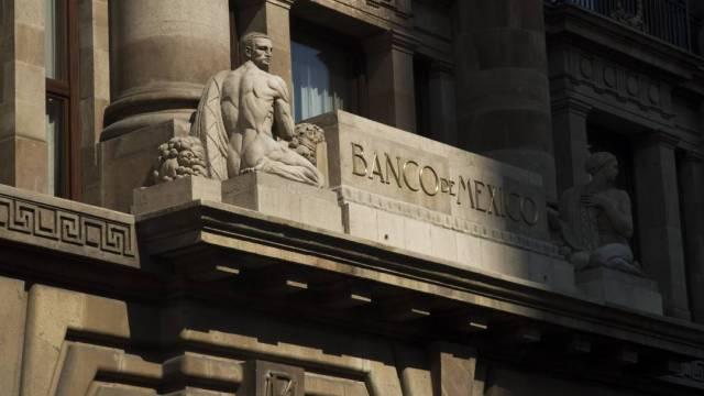 Banxico defiende plan de liquidez, aclara que no es Fobaproa