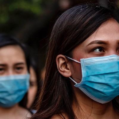 FOTO: Los casos globales de coronavirus alcanzan los 1,05 millones, con 56,900 muertes, el 04 de abriel de 2020