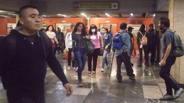 Foto: Muere persona tras arrojarse a vías del Metro en la estación Impulsora, 3 de abril de 2020, (Cuartoscuro, archivo)