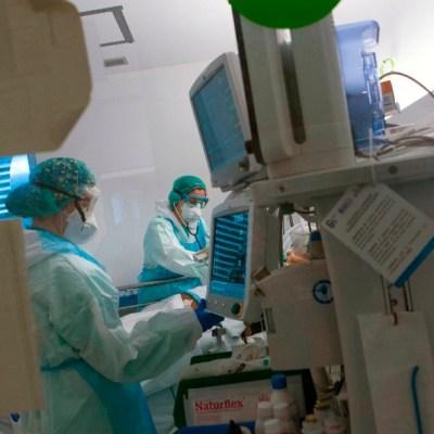 Foto: Cifra de muertos por coronavirus vuelve a subir en España