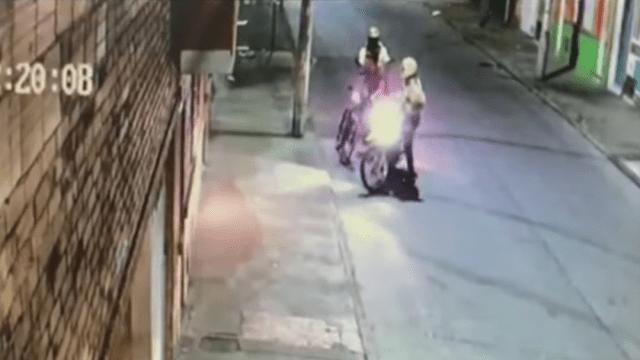 Foto Hombre Viola Cuarentena Abre Fuego Policías Bogotá