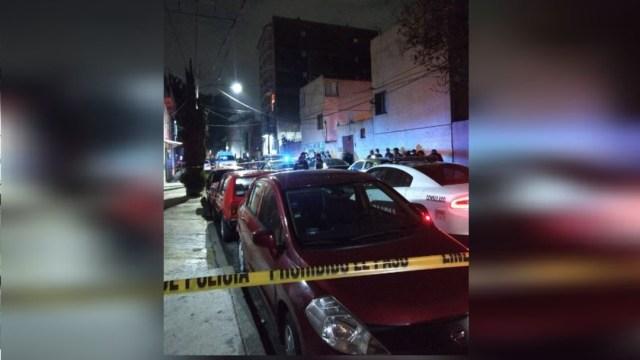 Foto: Asesinan a un hombre en la calle Pozos, de la colonia Valle Gómez, 18 abril 2020