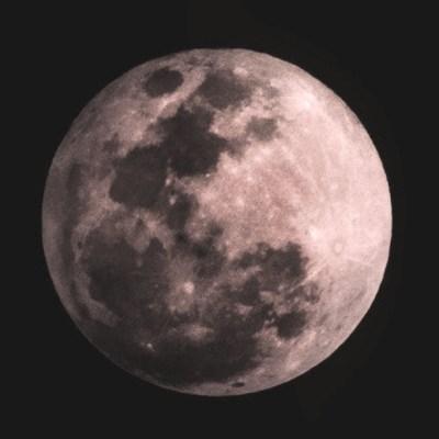 ¿Qué es la superluna rosa del 7 de abril y cuál es su significado real?