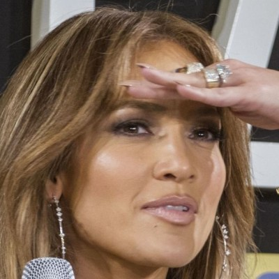 Jennifer López suspende boda con Alex Rodríguez por el coronavirus