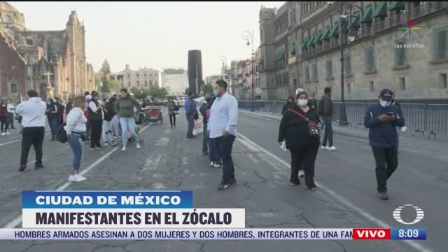 manifestantes protestan en inmediaciones del zocalo capitalino