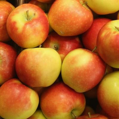 9 razones por las que es saludable comer manzanas