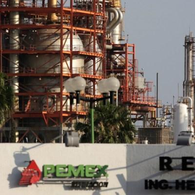 Petróleo mexicano se recupera; cierra en 7.12 dólares por barril