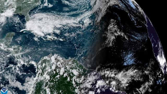 Foto: Alertan por formación de primera tormenta tropical en el Atlántico de 2020, 14 de mayo de 2020, (EFE)