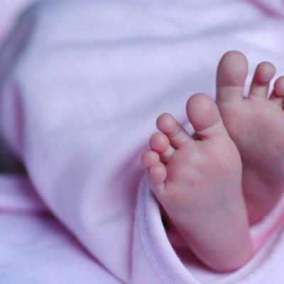 FOTO: Muere bebé tras ingerir sangre de tortuga contra coronavirus, el 26 de mayo de 2020