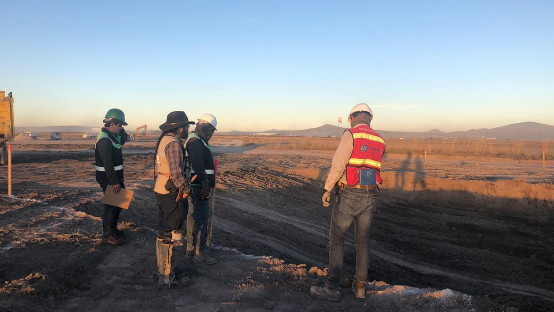 Foto: Además de mamuts, encuentran 15 entierros humanos prehispánicos en Base Aérea de Santa Lucía, 22 de mayo de 2020, (Cuartoscuro, archivo)