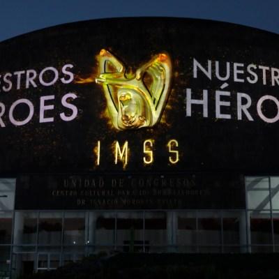 Homenajean a héroes de la salud' en el Centro Médico