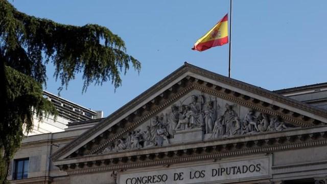España inicia su 'doloroso' luto oficial de 10 días por los fallecidos por coronavirus